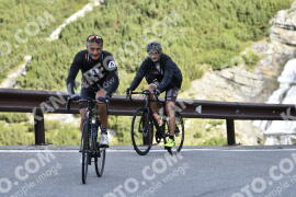 Photo #1220201 | 27-08-2020 09:16 | Passo Dello Stelvio - Waterfall BICYCLE riders